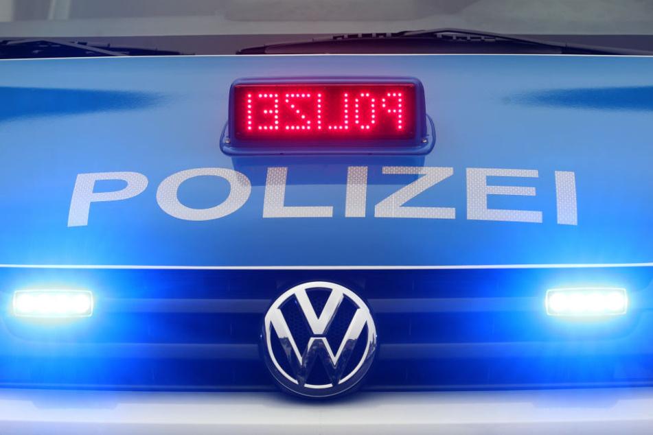 Die Polizei sucht weiterhin nach dem Täter. (Symbolbild)