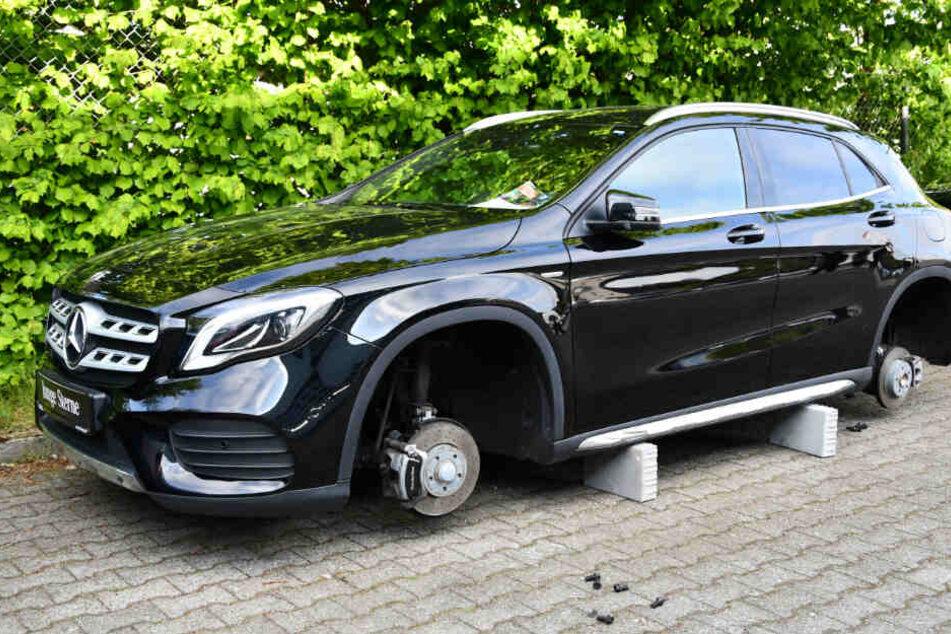 Vor allem an Mercedes-Modellen hatten sich die Täter vergriffen.