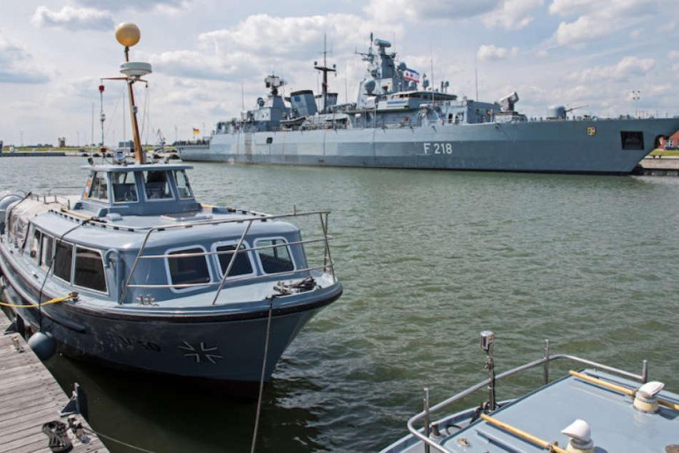 """Auch die Fregatte """"Mecklenburg-Vorpommern"""" nahm bereits an der Operation """"Sophia"""" im Mittelmeer teil. (Archivbild)"""