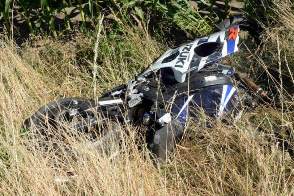 Die Suzuki schleuderte in einen angrenzenden Graben.