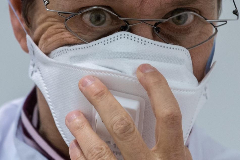 Autobauer spenden Atemschutzmasken. (Symbolbild)