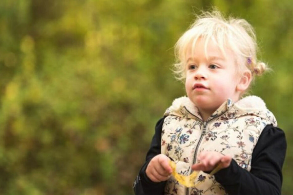 Die fünfjährige Penny Mills aus England hat eine seltene Erbkrankheit, von der etwa eines von 70.000 Kindern betroffen ist.