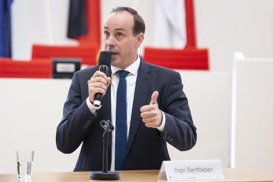 Brandenburgs CDU-Landeschef Ingo Senftleben will einen Baustopp für den BER verhängen, falls die Eröffnung erneut verschoben wird.