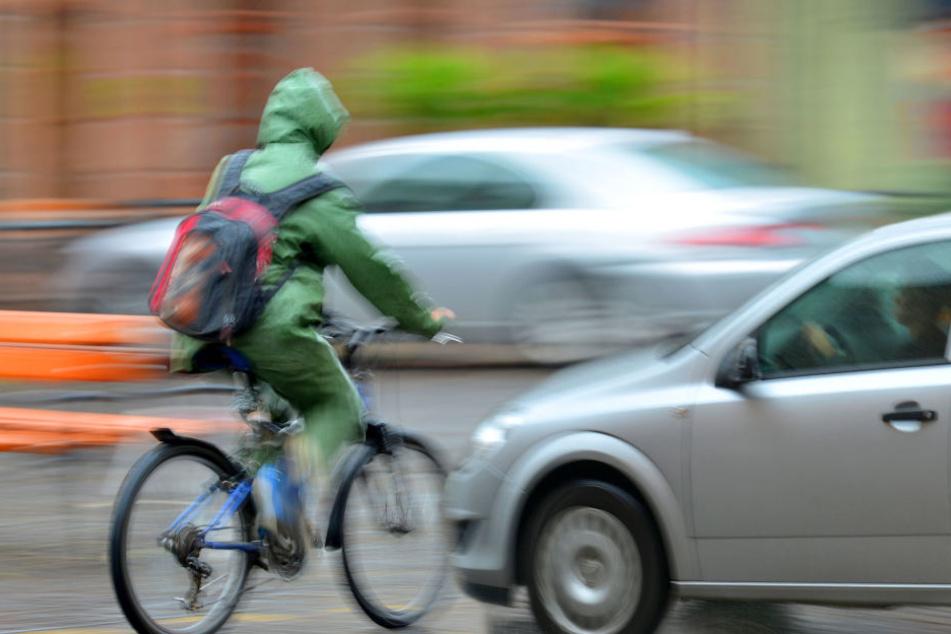 Der Radfahrer schwebt nach dem Unfall nicht in Lebensgefahr. (Symbolbild)