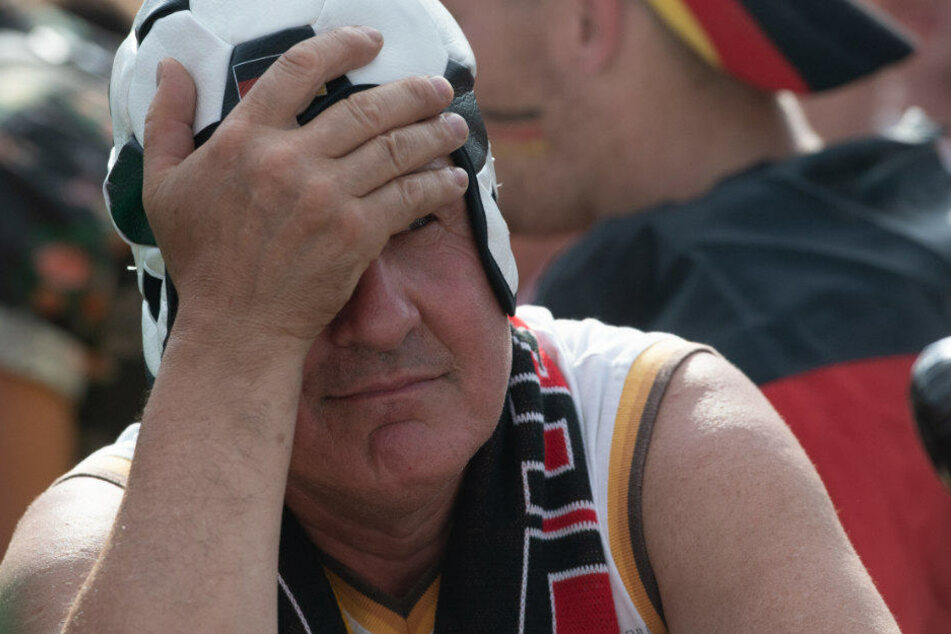 Das war nix. Enttäuschung bei den Fans auf der Fanmeile.