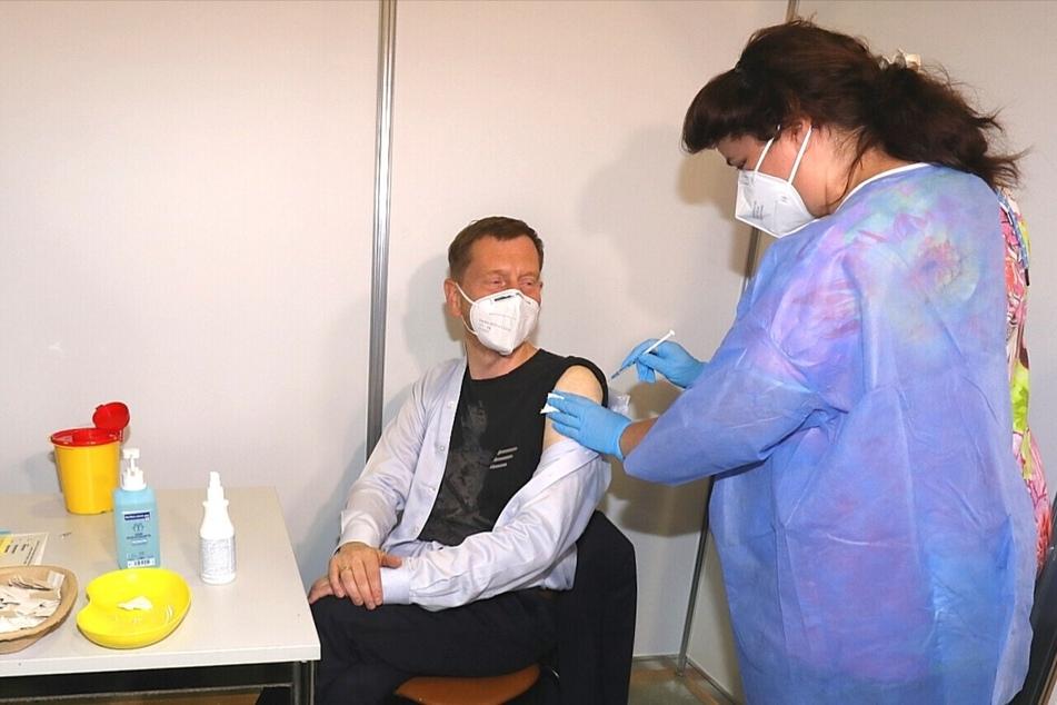 Sachsens Ministerpräsident Michael Kretschmer (46, CDU) hat sich zum zweiten Mal impfen lassen.
