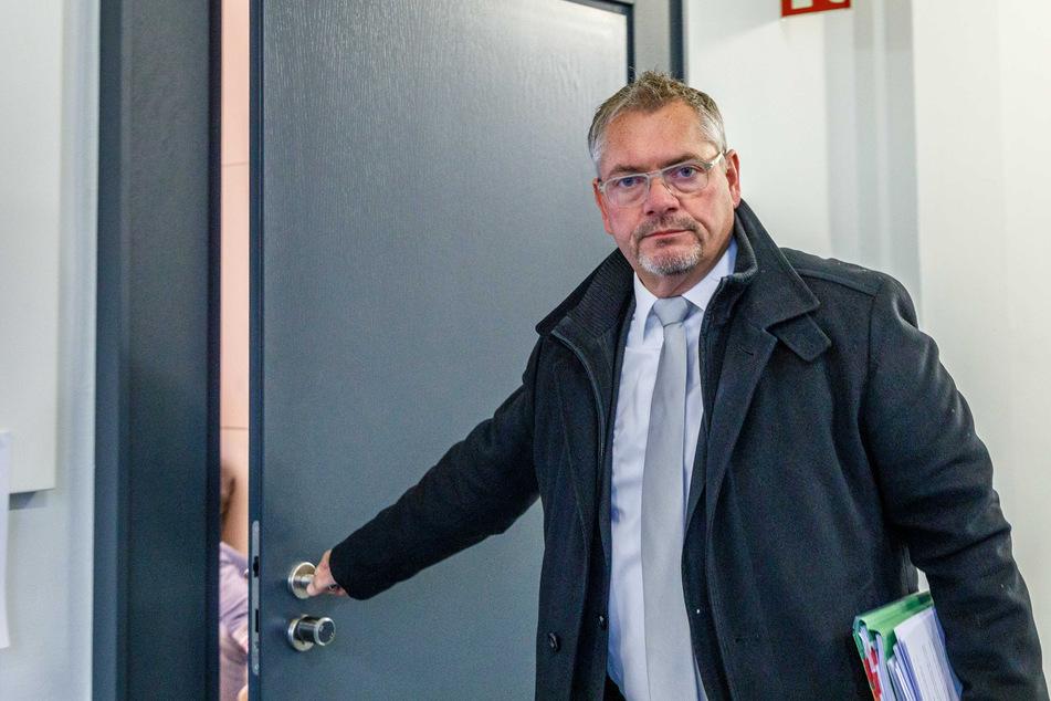 Dresden: Neuer Ärger mit der Justiz: Hausdurchsuchung bei Pegida-Anwalt Hannig