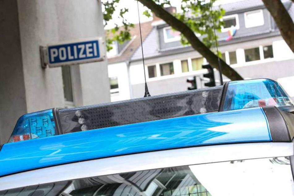 Abends zeigte die junge Frau den Unfall bei der Polizei an. (Symbolbild)