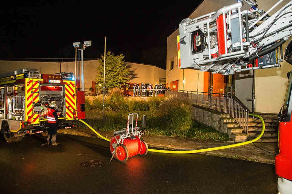 Der Brand entstand vermutlich wegen eines technischen Defekts.