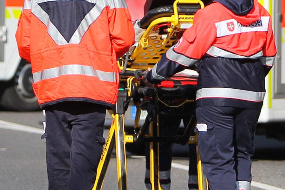 In dem Flugzeugwrack fanden die Einsatzkräfte den Leichnam eines 66 Jahre alten Mannes (Symbolbild).