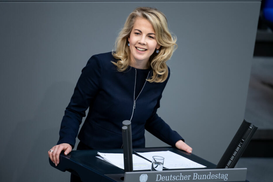 FDP-Generalsekretärin Linda Teuteberg wirft mit schweren Vorwürfen.