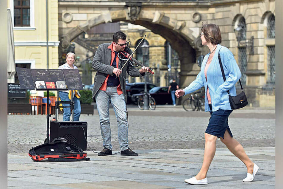 Wie laut darf Straßenmusik sein? In Dresden bleibt das ein Streitthema.