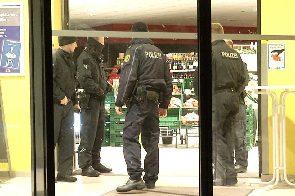 Die Polizei hat die Ermittlungen zum Überfall aufgenommen.
