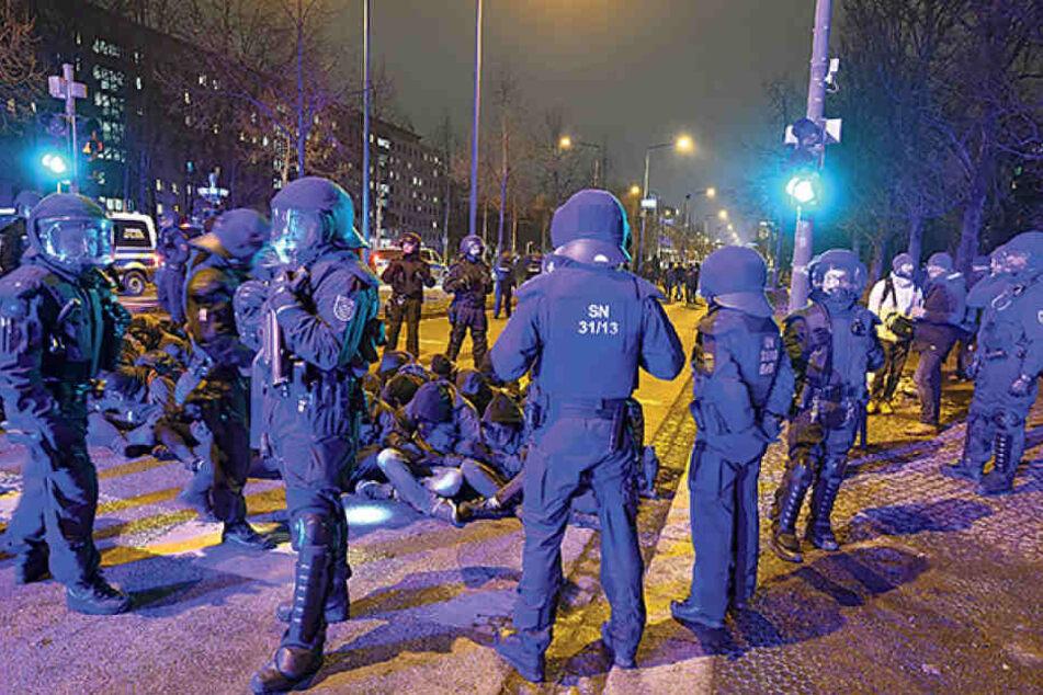Die Polizei ist ständig im Einsatz, aber gegen die Ordnungshüter hagelt es  auch zahlreiche Anzeigen.