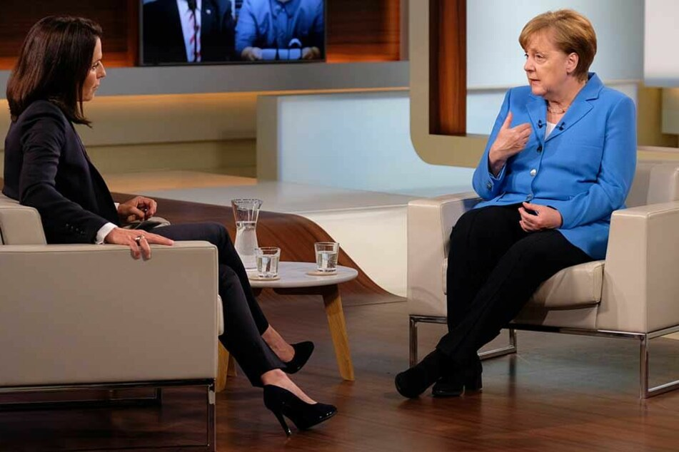 Angela Merkel äußerte sich zu der aktuellen Flüchtingsdebatte und forderte unter anderem schnellere Asylverfahren.