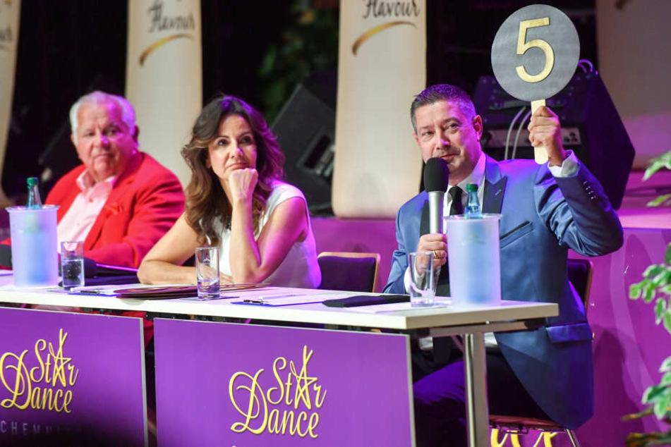 In der Star Dance Jury sitzen neben Joachim Llambi (55) auch Kartin Huß (50) und Jürgen Schimmel (78).
