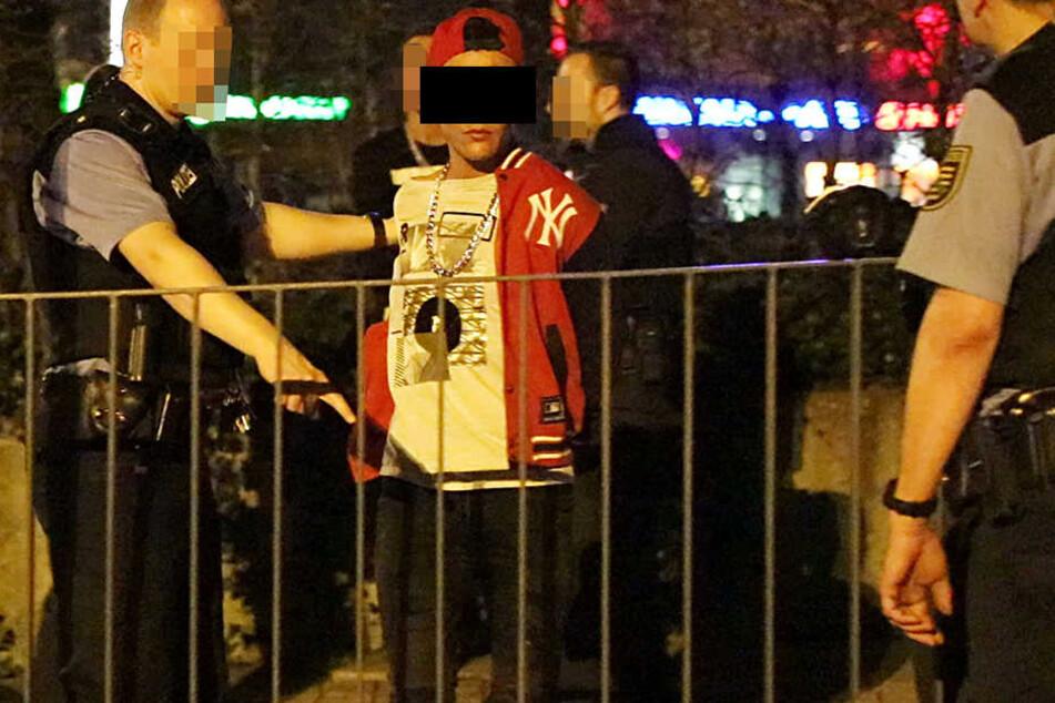Ein Tatverdächtiger konnte nach einer Verfolgungsjagd von der Polizei gestellt werden.