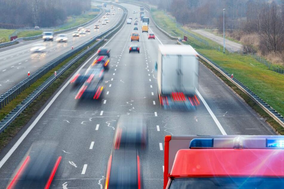 A4: Land Rover-Fahrer verliert die Kontrolle und stirbt