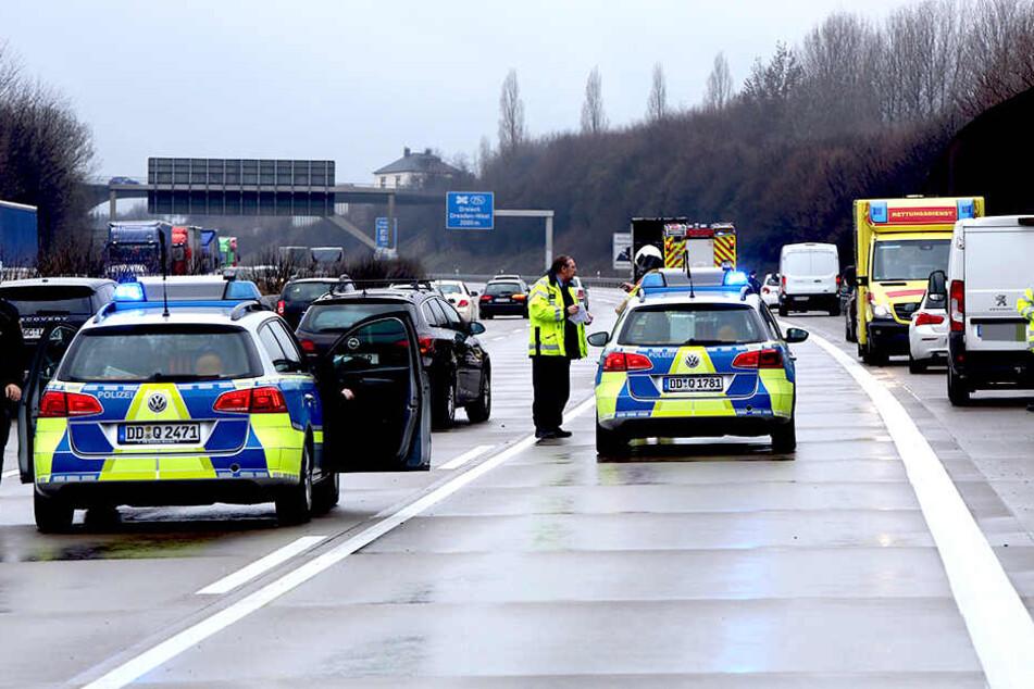 Vorsichtig fahren! Stau auf der A4 nach Auffahrunfall