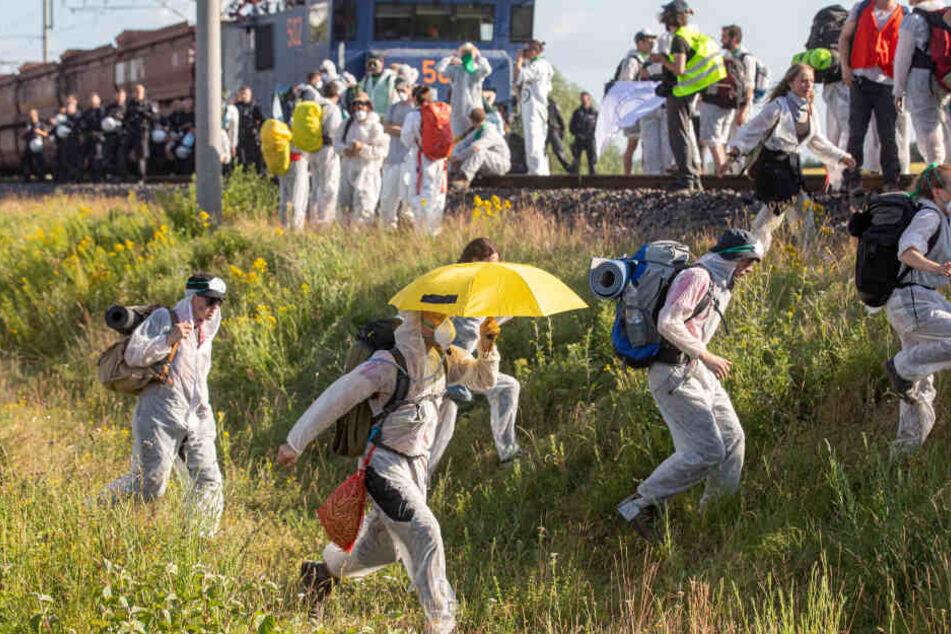 Es geht los: Aktivisten blockieren RWE-Kraftwerk!