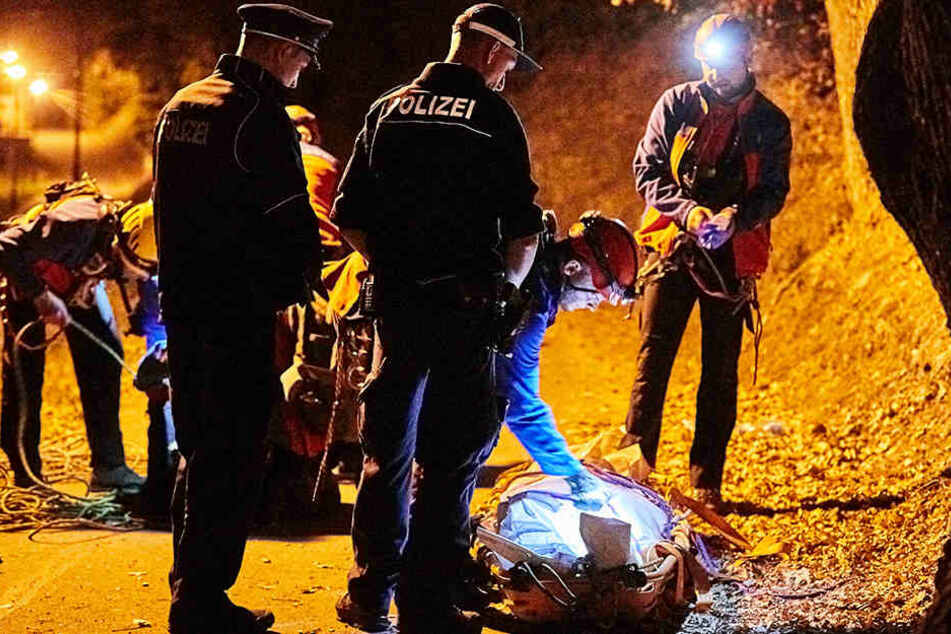 Die Rettungskräfte versuchten noch, den Mann wiederzubeleben. Doch der 25 Jahre alte Ukrainer war seinen schweren Verletzungen erlegen.