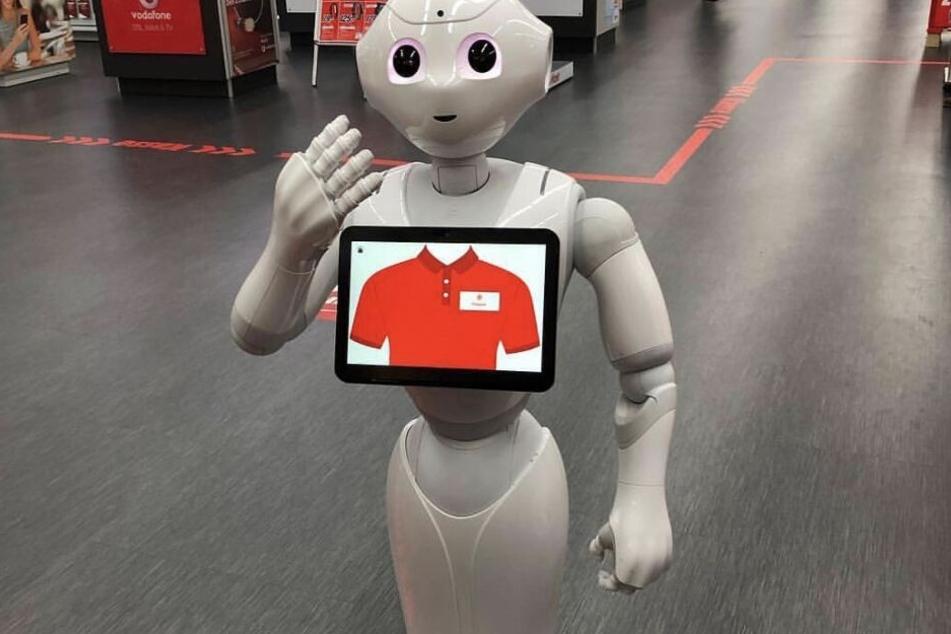 """Auch bei der Messe dabei: """"Pepper"""" - der freundliche Roboter."""