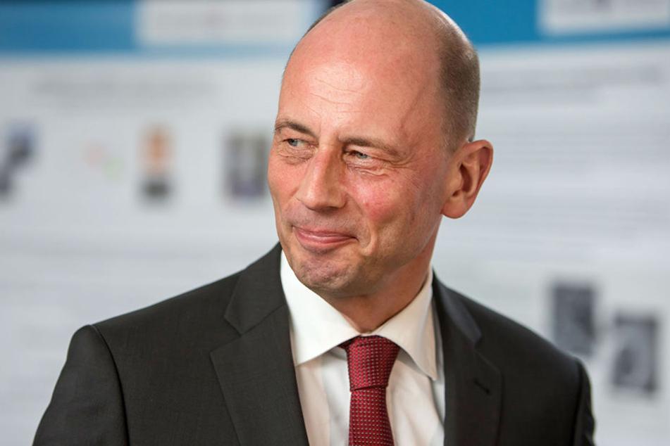 Wirtschaftsminister Wolfgang Tiefensee zeigte sich Überrascht von der Entscheidung des Unternehmens.