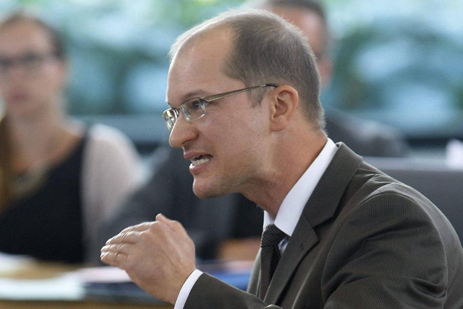 Stefan Möller, Parlamentarischer Geschäftsführer der AfD-Fraktion, macht klar, wieso die AfD die Vollverschleierung ablehnt.