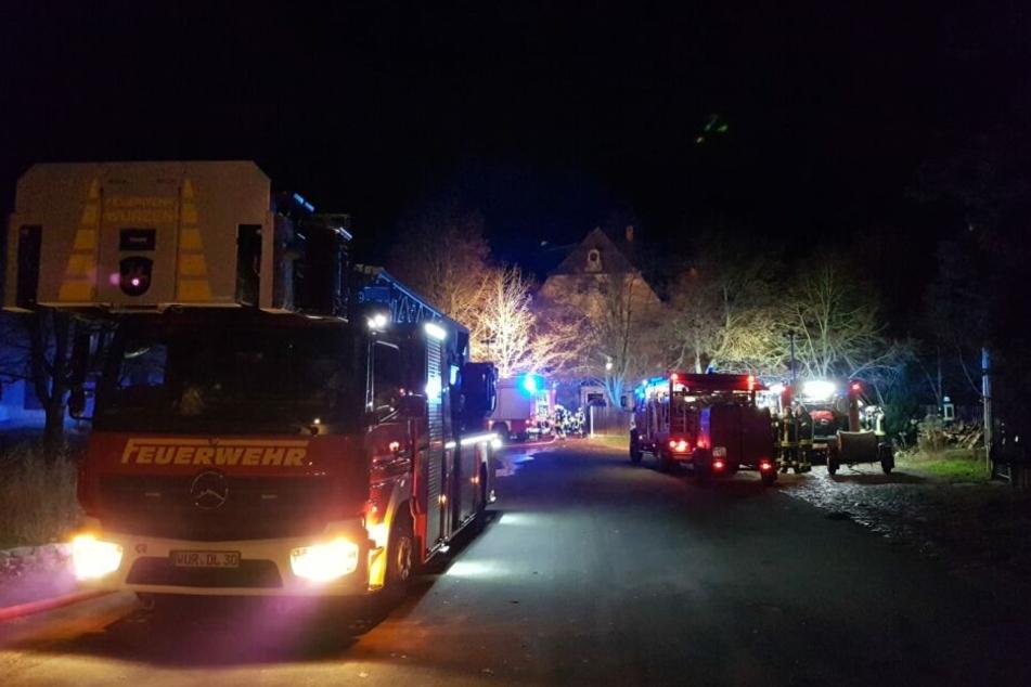 Feuerwehreinsatz im Wasserschloss in Falkenhain.