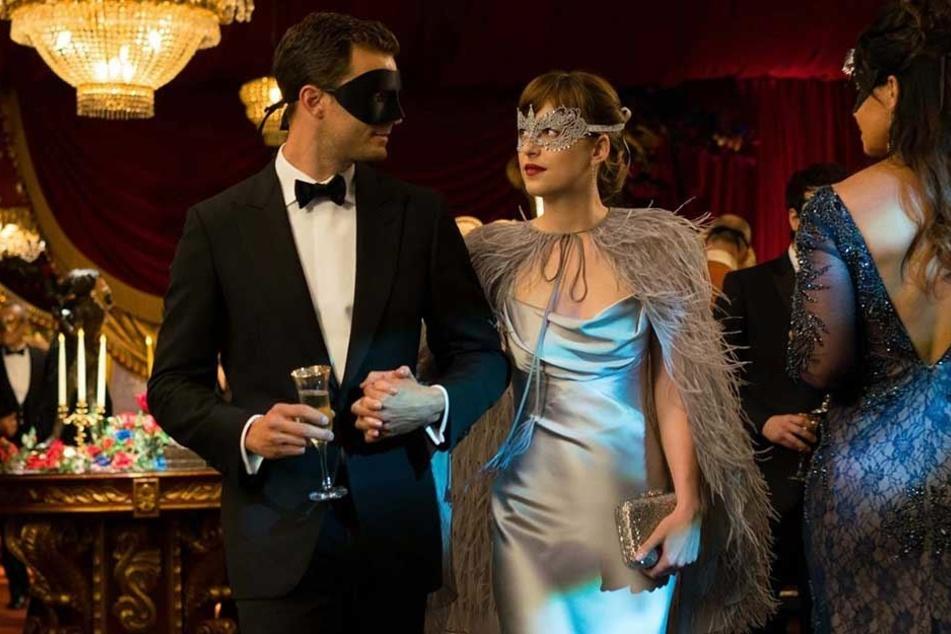 Mondäne Party-Szene aus dem zweiten Teil von Fifty Shades of Grey.