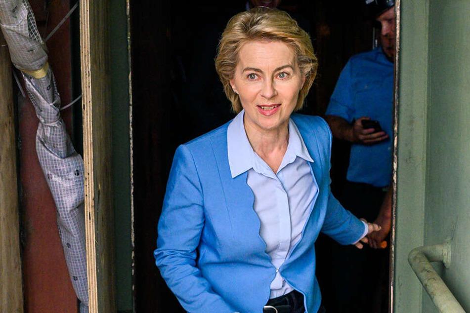 Verteidigungsministerin Ursula von der Leyen (60, CDU) wird sich den Unfallort anschauen.