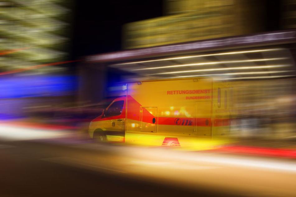 Bei einem Unfall in Berlin wurden vier Jugendliche schwer verletzt (Symbolbild).
