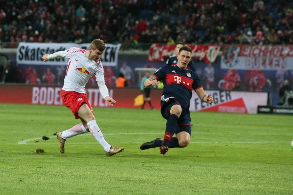 Werner, Schuss, Tor: Süle kommt zu spät herangerutscht, Leipzigs Stürmer dreht mit seinem 11. Ligator das Spiel.