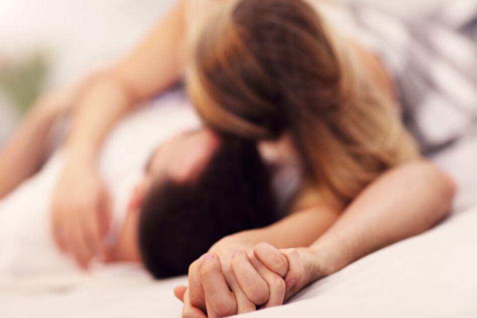 Wenn Ihr den Hebammen, Geburtshelfern und Frauenärzten einen Gefallen tun wollt, dann haltet Euch einfach ein paar Tage mit dem Liebesspiel zurück.