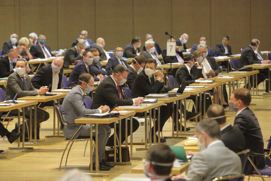 Sächsischer Landtag zurück im Normalbetrieb