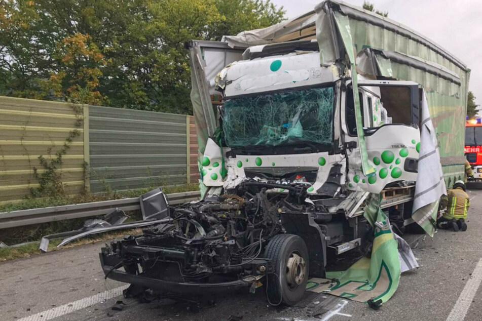 Lkw-Fahrer kommt bei schlimmem Auffahrunfall auf der A6 ums Leben