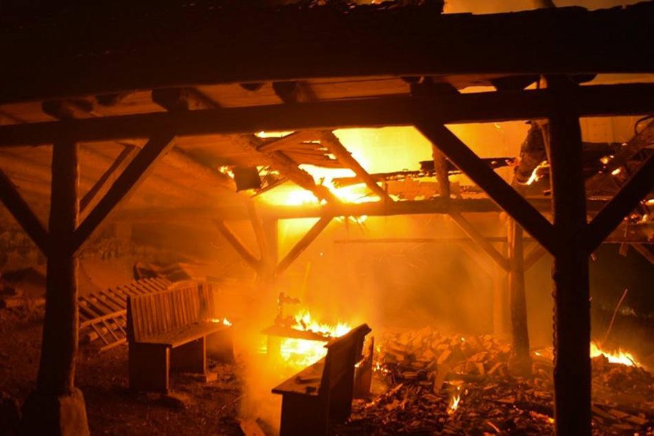 Bei dem Feuer entstand ein Schaden in Höhe von 20.000 Euro.