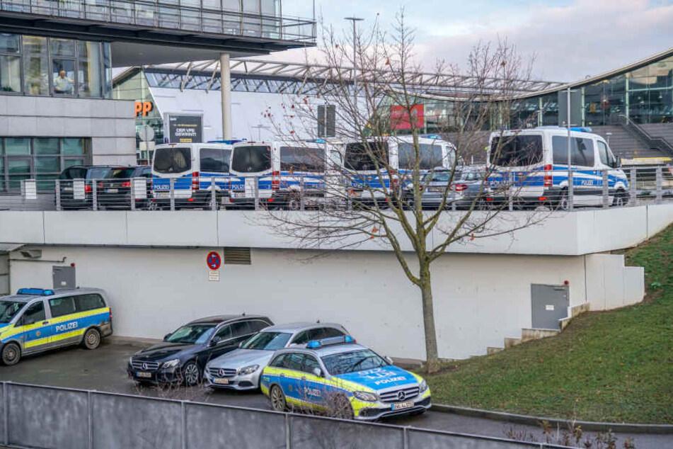 Erhöhtes Aufkommen von Sicherheitskräften an den Flughäfen (hier Stuttgart).