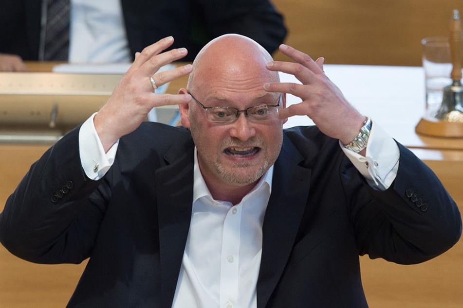 Keiner stellte mehr Anfragen als er: Enrico Stange (49, Linke). Es sei das zentrale Kontrollinstrument.