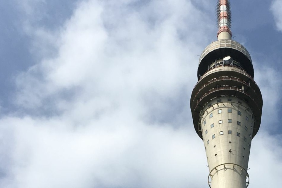 Der 1969 erbaute Dresdner Fernsehturm ist 252 Meter hoch und seit Juni 1991 für Besucher geschlossen.