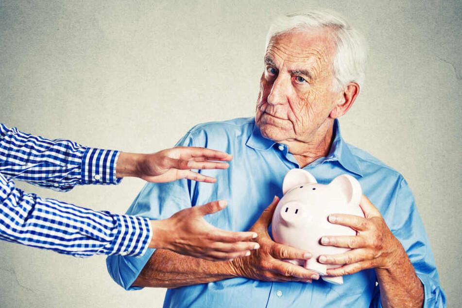 Mehr Rente, weniger Krankenkassen-Beitrag: Rentnern geht's bald besser (Symbolbild).