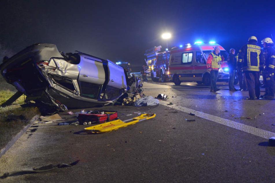 September 2016: Nach einem Steinwurf verunglückte eine vierköpfige Familie mit ihrem Wagen auf der A7. Ein Mann wurde zu neuneinhalb Jahren Haft verurteilt.