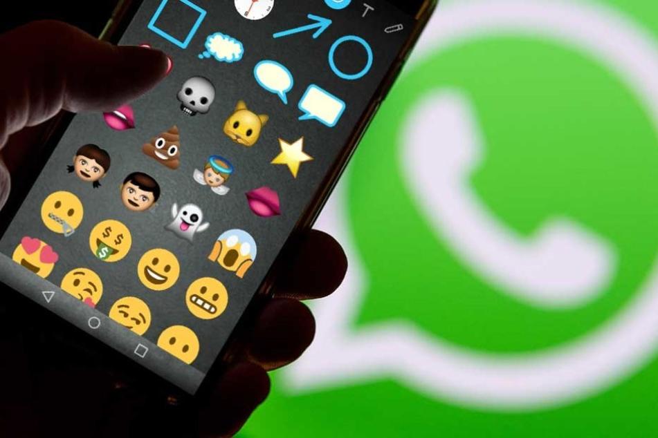 In die Fotos lassen sich bei WhatsApp jetzt direkt Sticker einfügen.