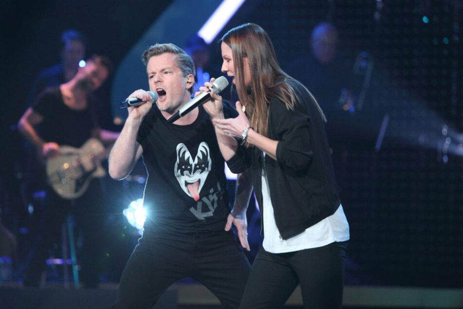 """Hier rockte """"Alles was zählt""""-Star André Dietz noch gemeinsam mit Christina Stürmer zu """"Let Me Entertain You""""."""