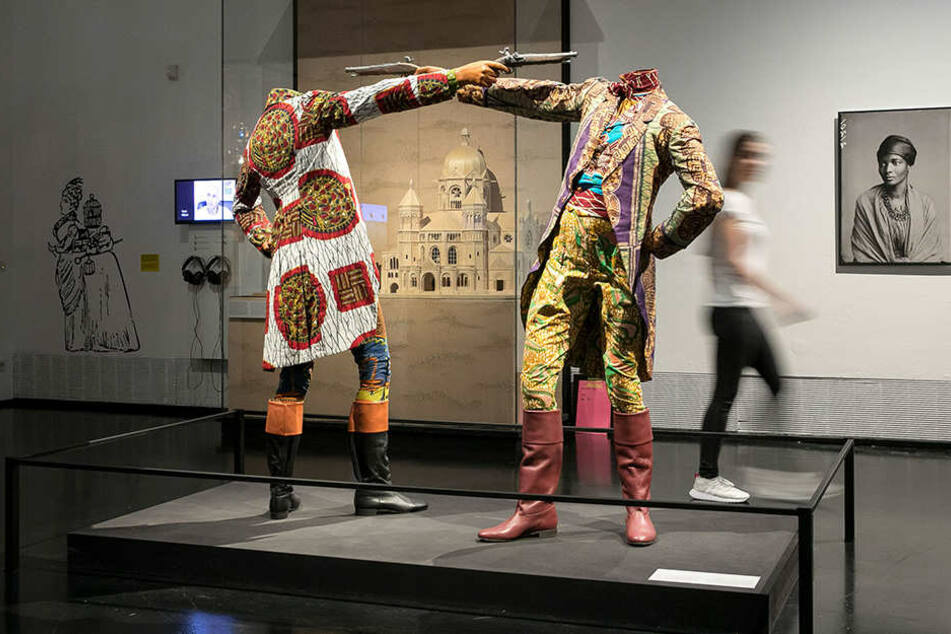 """Auch diese Arbeit des britisch-nigerianischen Künstlers Yinka Shonibare gibt's im Rahmen der """"Rassismus""""-Ausstellung noch bis nächsten Sonntag zu sehen."""