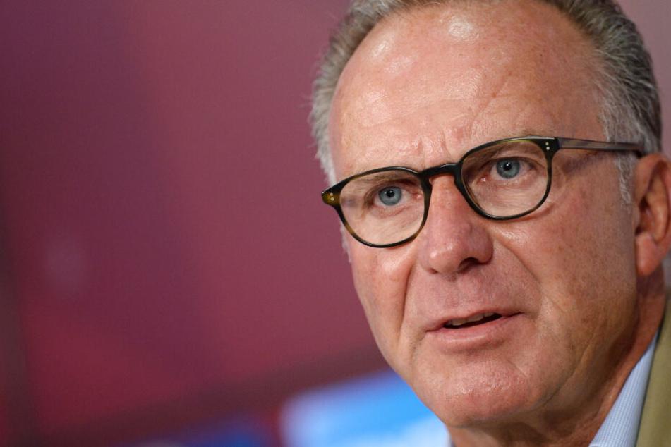 Karl-Heinz Rummenigge liebt seinen Job beim FC Bayern und will seinen Vertrag erfüllen.