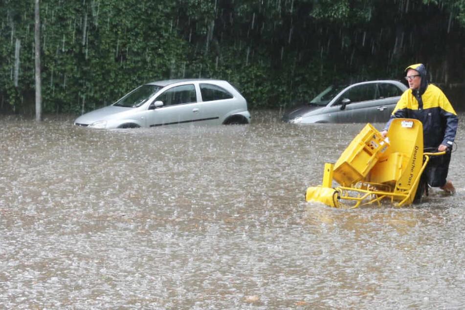 Flensburg säuft nach Unwetter ab: Straßen überflutet und gesperrt