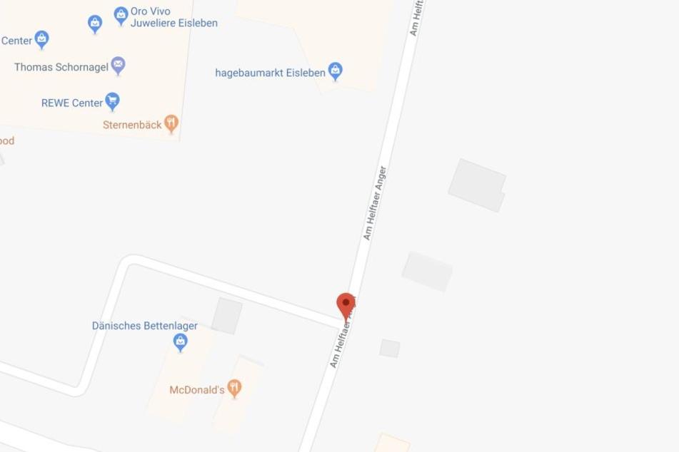 Zuerst rammte die 46-Jährige mit ihrem Toyota auf der Straße Am Halftaer Anger einen geparkten Opel, wurde dann mit 3,8 Promille zu Hause angetroffen.