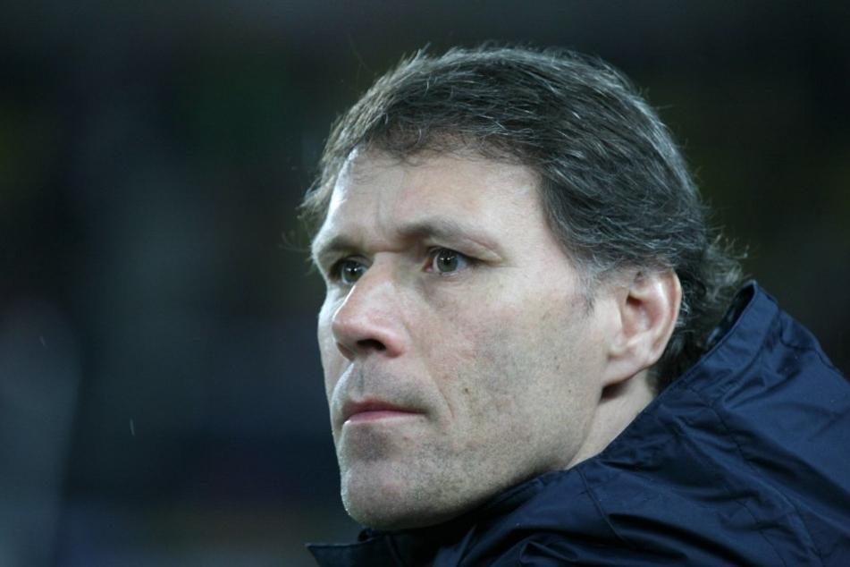 Krempelt die Fifa den Fußball wieder ordentlich um? Laut dem technischen Direktor Marco van Basten ist eine Revolution durchaus denkbar.