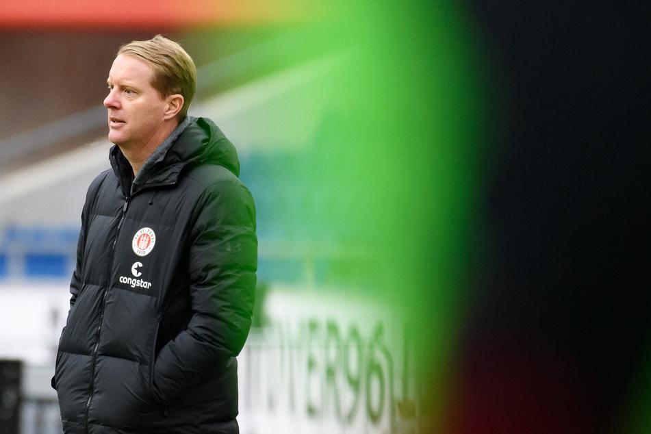 FCSP-Coach Timo Schultz (43) sah gegen Hannover 96 in der ersten halben Stunde die wohl beste Saisonleistung seiner Mannschaft.